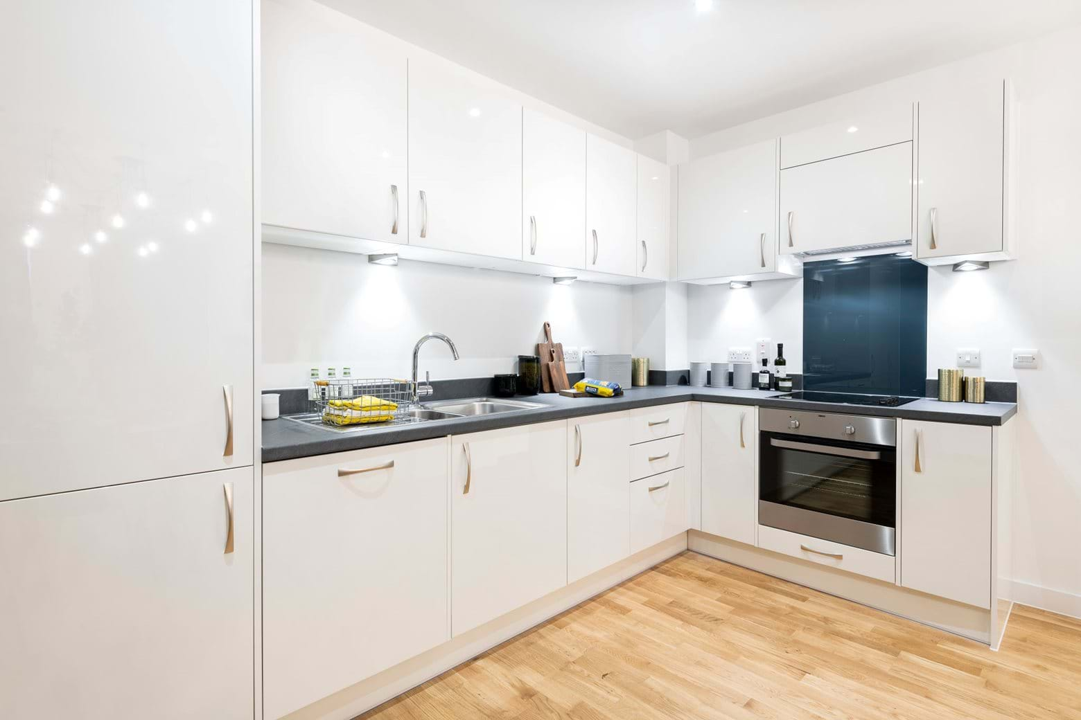 Vale Apartments Kitchen