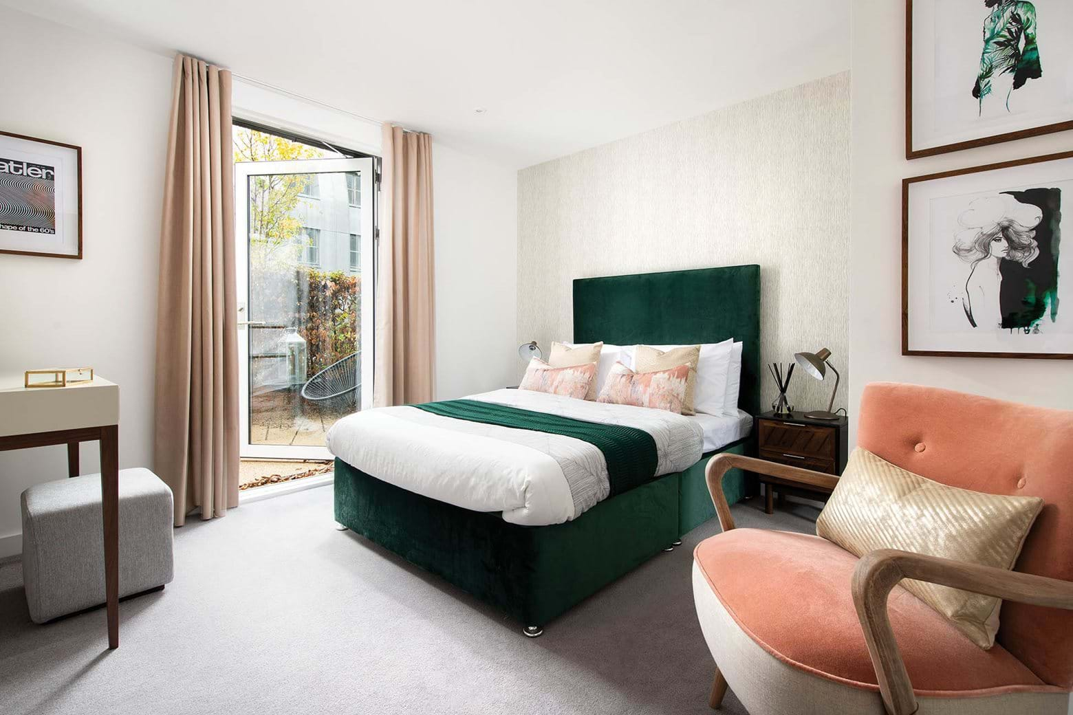 Penny Black Apartments - Show home (bedroom)