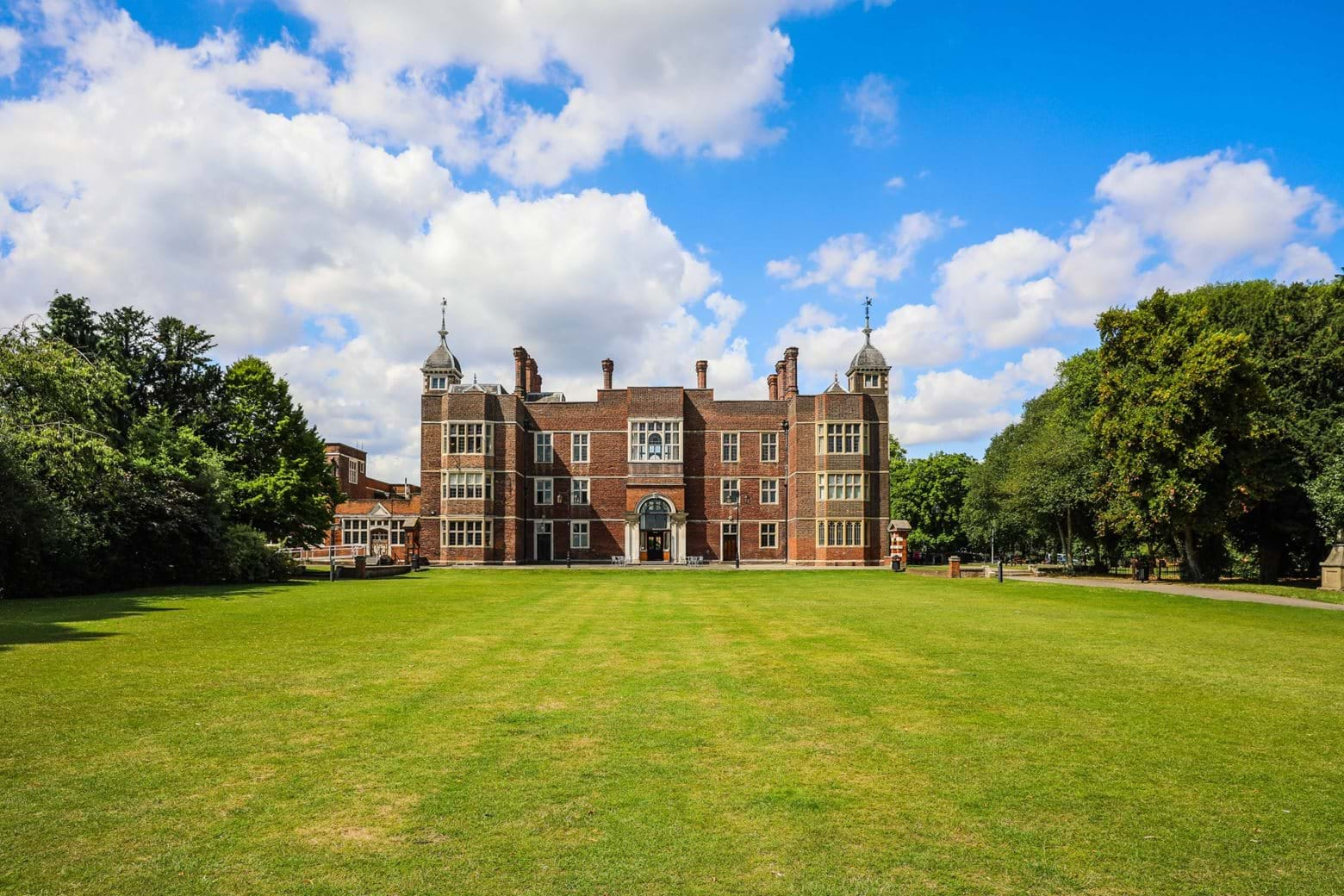 Valley House | Local area photography - Charlton House