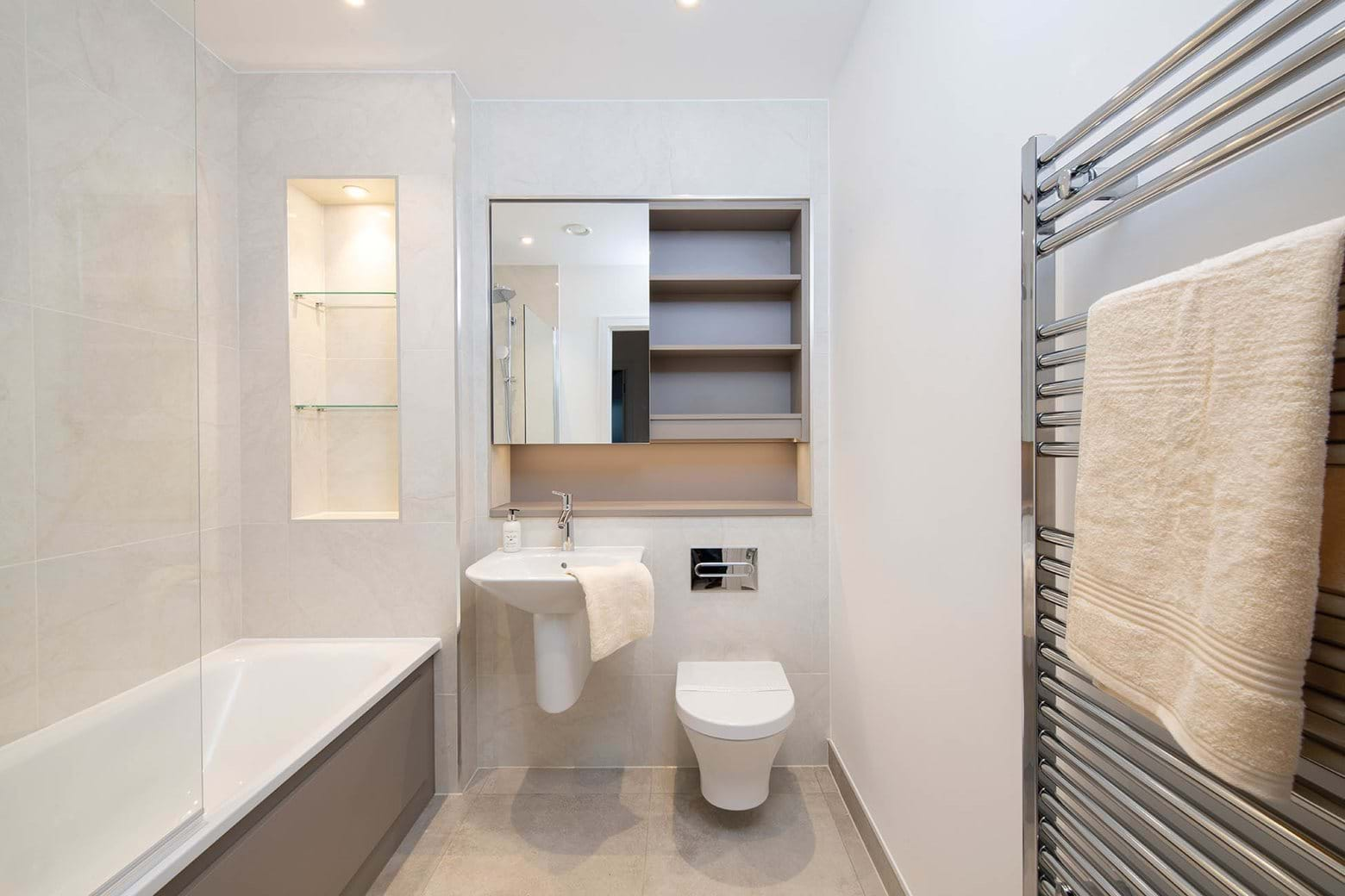 1 Bed Bathroom - Williamson Heights